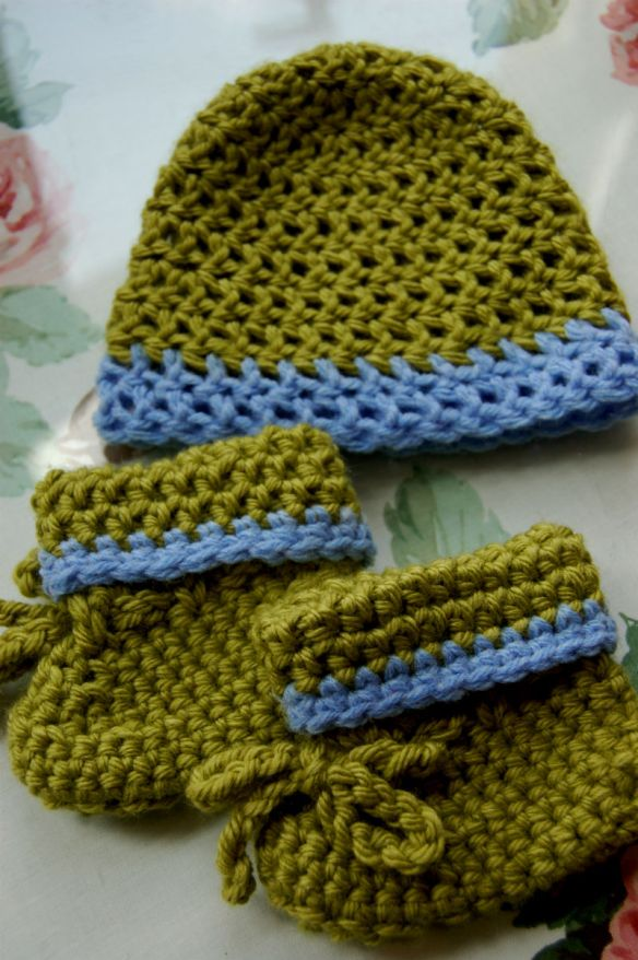 Green and Blue Newborn Hat and Booties