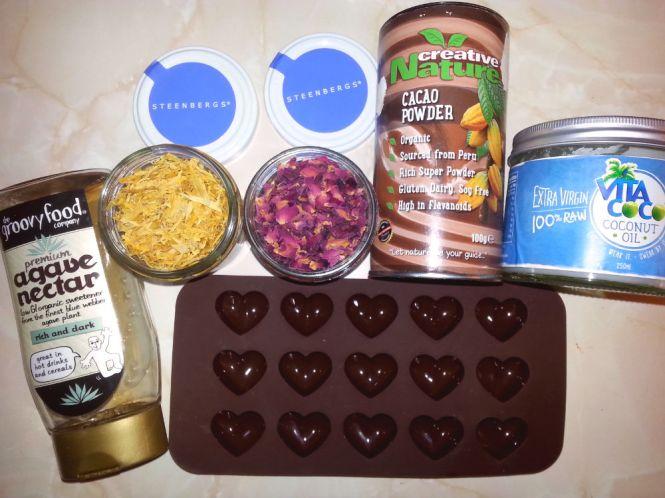 Raw chocs ingredients